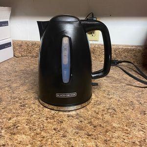 Black&Decker 1.7-Liter Rapid Boil Electric Kettle